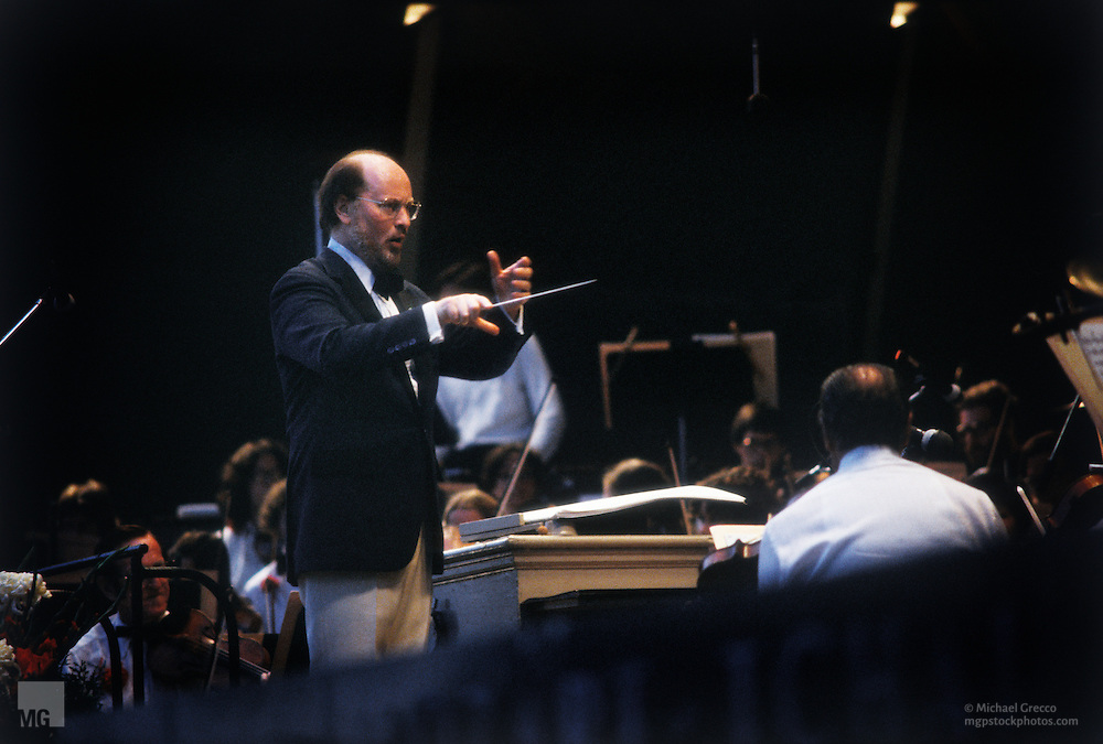 Composer-John-Williams-conducting